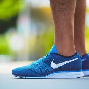 NWOT Nike Flyknit Trainer+ Blue Glow sneakers, 8.5